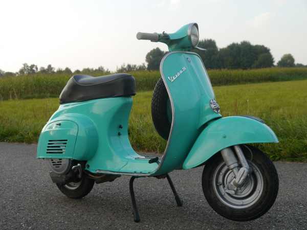 vespa 50 l verde paraggi de vespa garage vintage. Black Bedroom Furniture Sets. Home Design Ideas